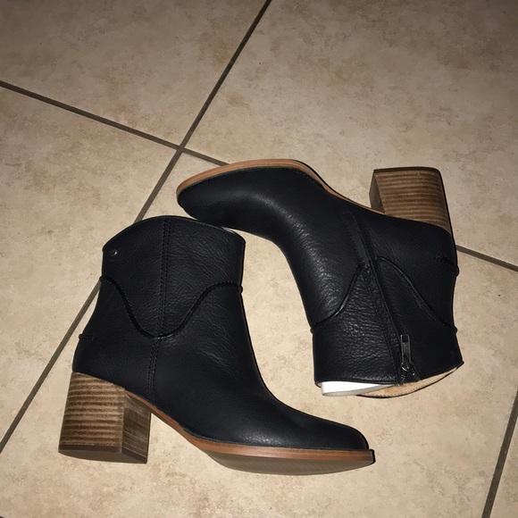 3a64107fd86 Women's UGG ANNIE BOOTIES BLACK 9